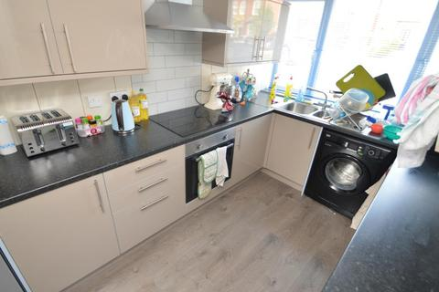 5 bedroom house share to rent - Watford Road, Cotteridge