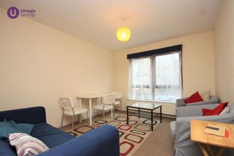 3 bedroom flat to rent - Sienna Gardens, Edinburgh, EH9