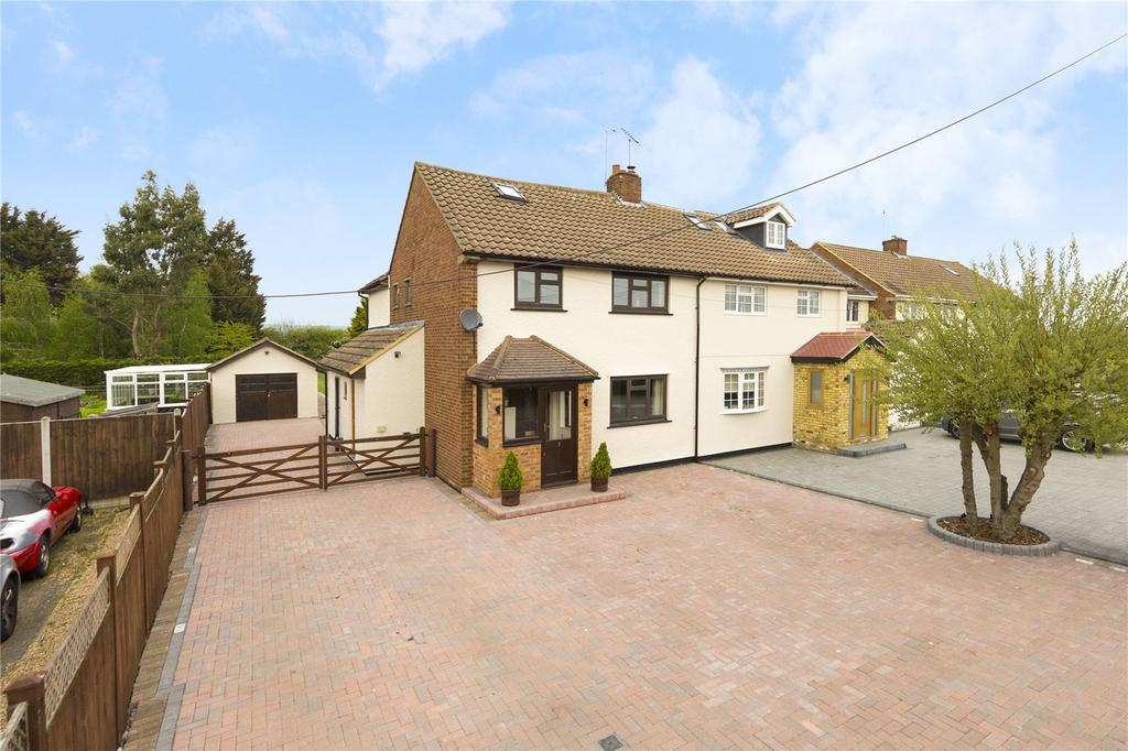 Garden Centre: Bury Farm Cottages, St. Marys Lane, Upminster, RM14 5 Bed