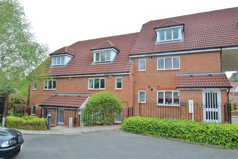 2 bedroom apartment to rent - Iver Court, Lenborough Road, Buckingham