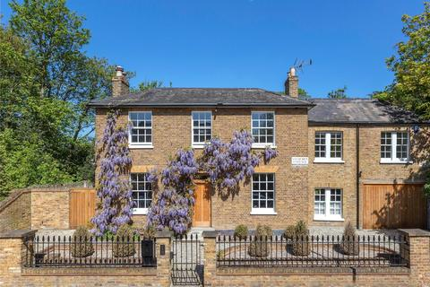 6 bedroom detached house for sale - Queens Ride, London, SW13