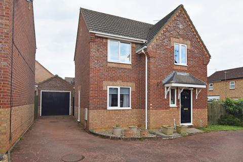 3 bedroom detached house for sale - Earsham Drive, King's Lynn