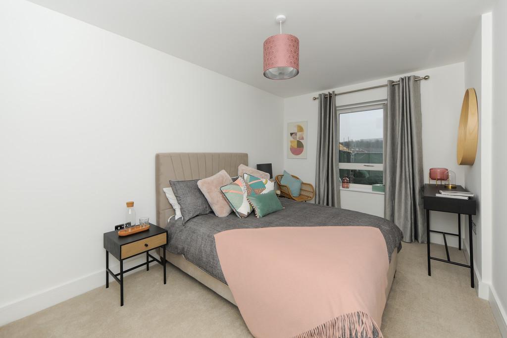 The Sunrise   Master Bedroom