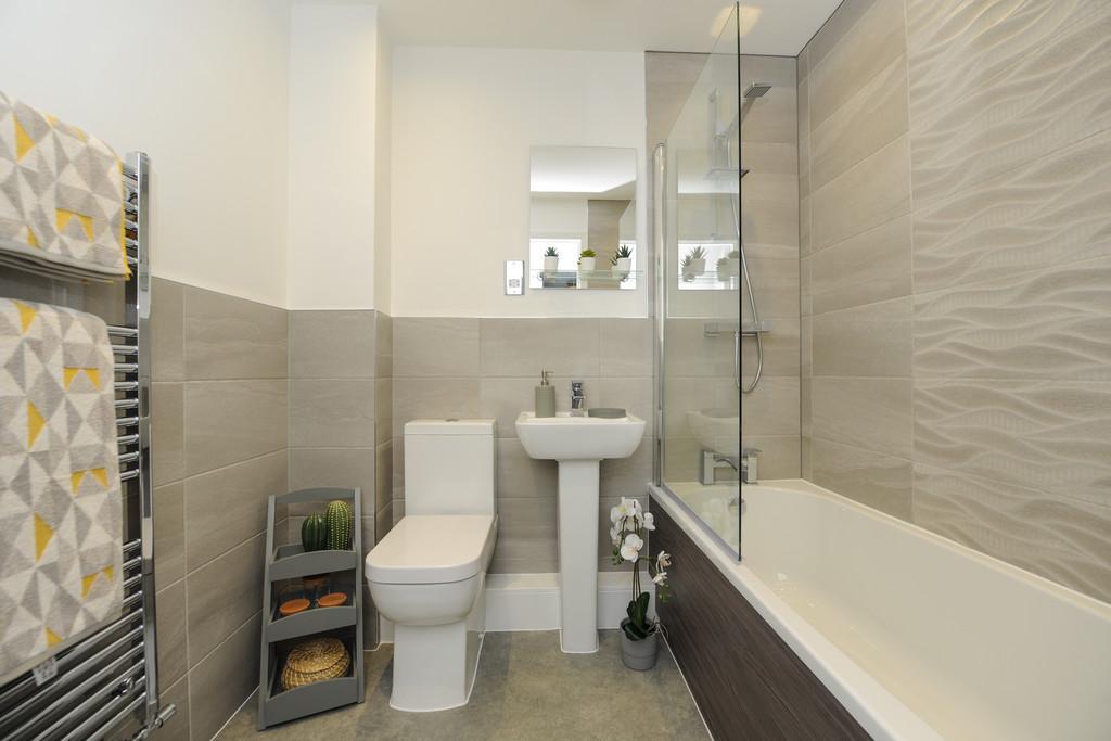 The Sunrise   Bathroom
