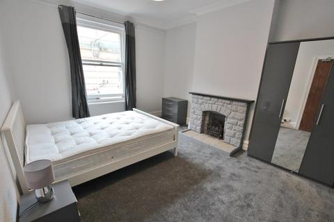 1 bedroom house share to rent - Westbourne Arcade, Bournemouth