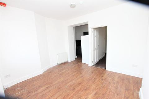 1 bedroom flat to rent - Midland Road, Luton