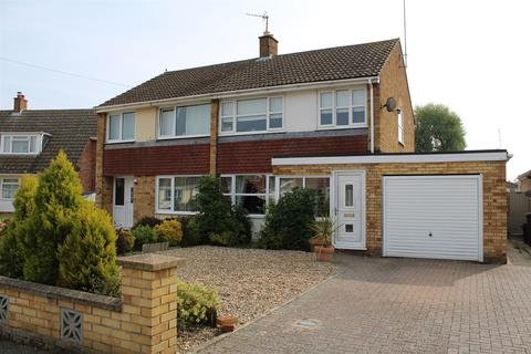 3 bedroom semi-detached house for sale - Brancaster Close, King's Lynn