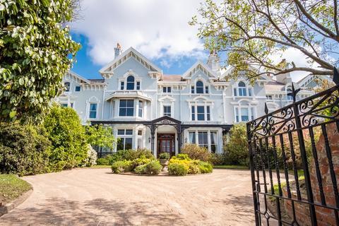 9 bedroom terraced house for sale - Beach Lawn, Waterloo, L22