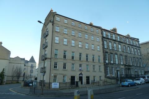 2 bedroom flat to rent - Annandale Street, New Town, Edinburgh, EH7