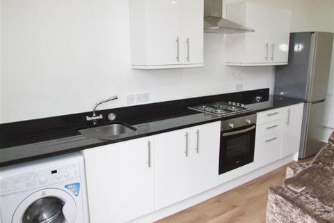 1 bedroom flat to rent - Trinity Place, Halifax, HX1 2BD