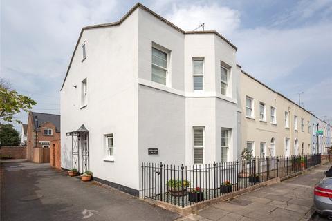 4 bedroom semi-detached house for sale - Hatherley Street, Cheltenham, Gloucestershire, GL50