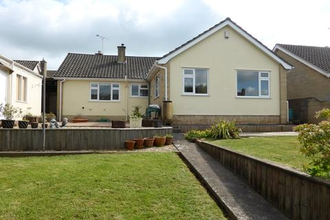 4 bedroom detached bungalow to rent - Hayes Road, Midsomer Norton, Radstock