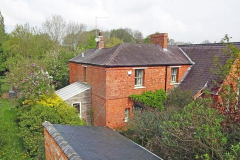 3 bedroom cottage for sale - Church Lane, Maidford