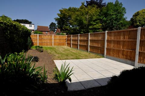 2 bedroom bungalow for sale - New London Road, Chelmsford, CM2