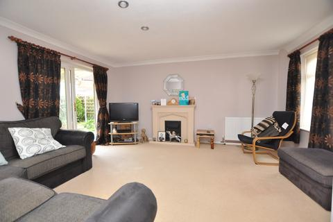 3 bedroom detached house for sale - Cawkwell Close, Chelmer Village, Chelmsford, CM2