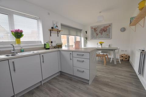 3 bedroom semi-detached house for sale - Fairway Drive, Chelmsford, Chelmsford, CM3
