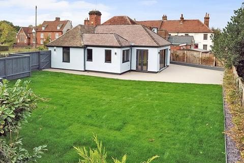 2 bedroom bungalow for sale - The Causeway, Great Baddow, Chelmsford, CM2