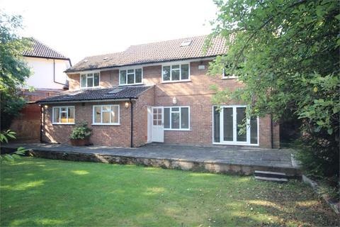 4 bedroom detached house to rent - The Uplands, Gerrards Cross, Buckinghamshire