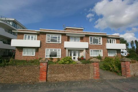 2 bedroom flat to rent - SEA FRONT FLAT AT FRINTON