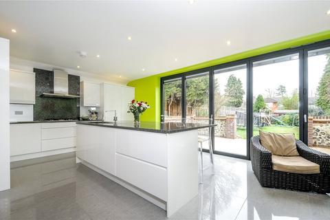 4 bedroom detached house to rent - Crescent Road, Reigate, Surrey, RH2