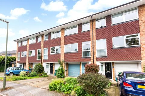 3 bedroom terraced house to rent - Yorke Gardens, Reigate, Surrey, RH2