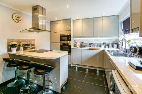 3 bedroom semi-detached house for sale - Longfellow Road, Maldon, Essex, CM9