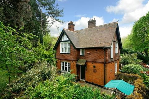 3 bedroom detached house for sale - London Road, Luton