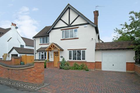 5 bedroom detached house to rent - Marsham Way, Gerrards Cross, Bucks