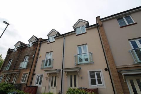 4 bedroom terraced house to rent - Dorian Road, Horfield, BS7