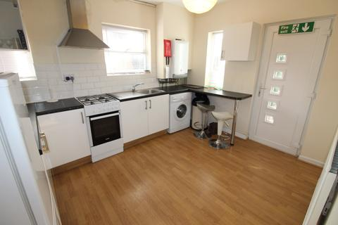 2 bedroom flat to rent - Newport Road, City Centre, Cardiff