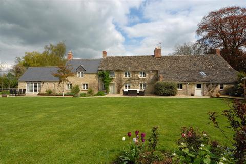 5 bedroom detached house for sale - London Road, Poulton