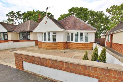 3 bedroom detached bungalow to rent - Newmorton Road, Bournemouth