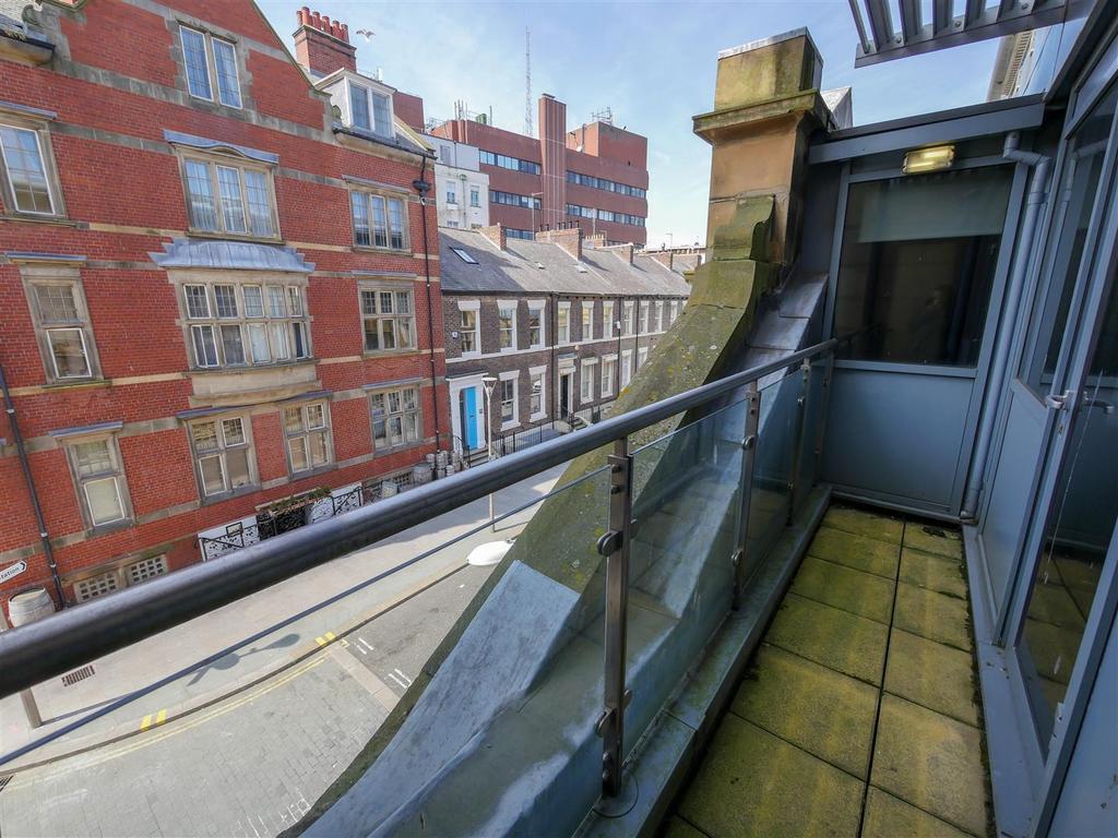 west sunniside city centre sunderland 2 bed apartment to. Black Bedroom Furniture Sets. Home Design Ideas