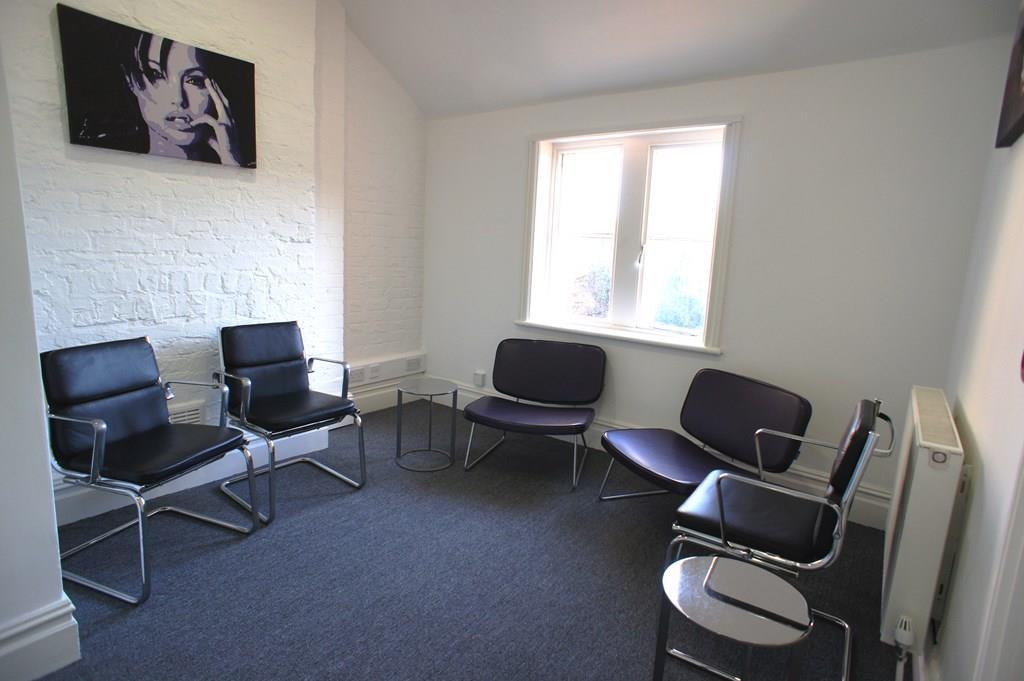 Waiting room 1.JPG