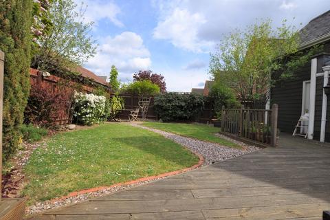 3 bedroom semi-detached house for sale - Burnell Gate, Beaulieu Park, Chelmsford, CM1