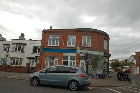 2 bedroom flat to rent - Seaway Road, Paignton
