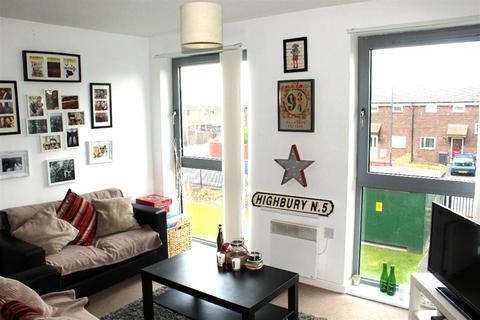 2 Bedroom Flat To Rent Elmira Way Salford M5 3ll