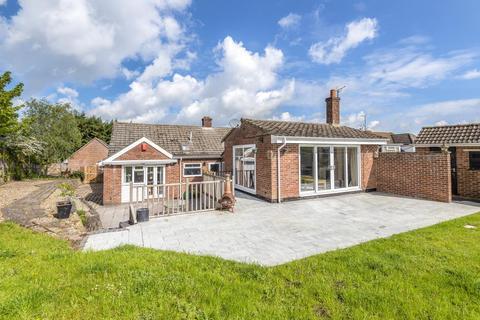 4 bedroom detached bungalow for sale - Newbury, Berkshire, RG14