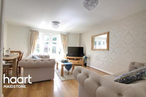 3 bedroom semi-detached house for sale - Wexford Place, Maidstone