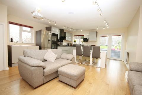 3 bedroom detached house for sale - Juniper Drive, CHELMSFORD, Essex