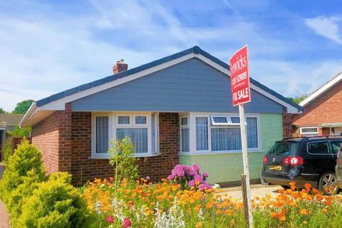 2 bedroom detached bungalow for sale - Stradbrook, Gosport, PO12