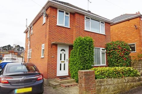 3 bedroom house for sale - Detached House located in Markham Road, BH9