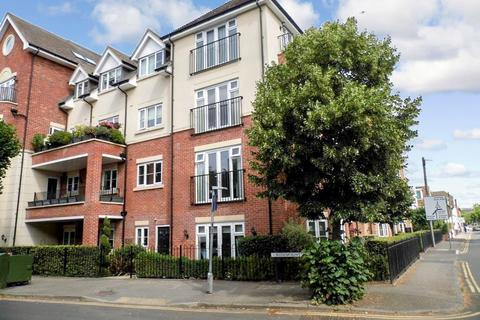 2 bedroom ground floor flat to rent - Rosemount Point, West Byfleet, Surrey