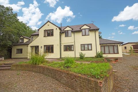 4 bedroom detached house for sale - Trelawnyd, Flintshire