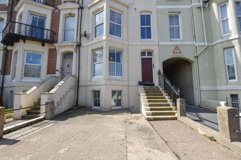 2 bedroom apartment for sale - Esplanade, Whitby