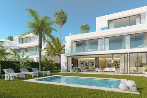 5 bedroom semi-detached villa - Sotogrande, Cadiz, Spain