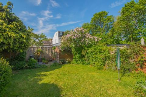 3 bedroom terraced house for sale - Staveley Gardens, Chiswick, W4