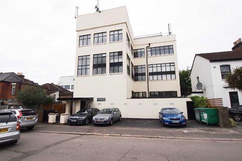 3 bedroom apartment to rent - Carnarvon Road, East London