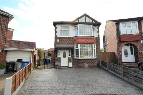 3 bedroom detached house for sale - Keswick Avenue, Urmston, Manchester, M41