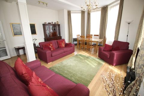 1 bedroom apartment for sale - Trinity Trees, West Town Centre, Eastbourne BN21